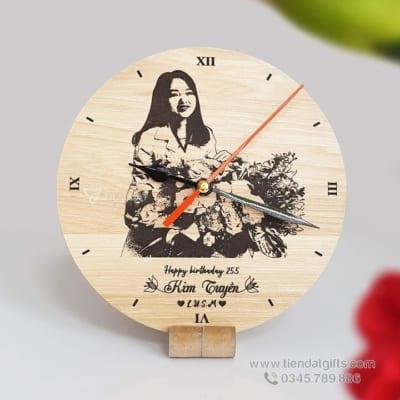 Dong-ho-go-khac-ten-chu-hinh-anh-logo-lam-qua-tang-sinh-nhat-laoi-de-ban-gia-tan-xuong (2)