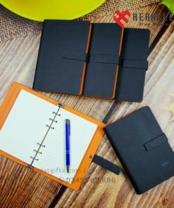 Xuong-san-xuat-bo-giftset-qua-tang-but-ky-kim-loại-khac-ten-so-bia-da-cao-cap-in-an-logo-cong-ty-lam-qua-tang-doanh-nghiep (1)